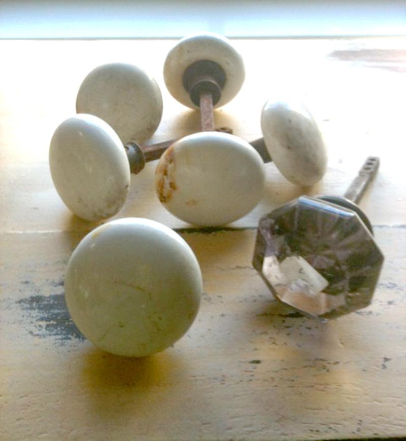 White knobs